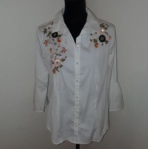 Misses size 6 White Blouse Charter Club Flowers